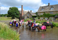 200x138-bourton-vale-horse-riding